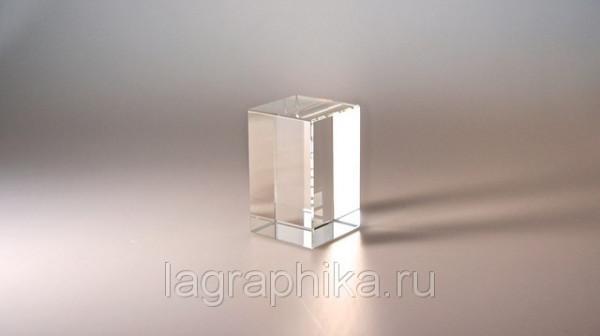 Объёмная лазерная гравировка в стекле (кристалле)   Параллелепипед 60х60х100