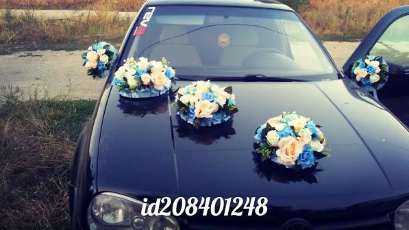 Прокат набора украшений на свадебную машину в Симферополе персиково голубые букеты на капот