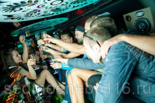 Вечеринка в лимузине (Limo party  Лимопати) с фотографом