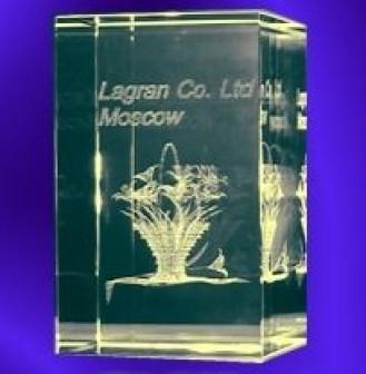 Объёмная лазерная гравировка в стекле (кристалле)   Квадратное толстое 78х78х34
