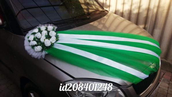 Аренда украшений на свадебную машину изумрудный букет с фатином