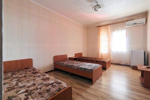 4 х местный номер с большой лоджией корпус №А база отдыха Ока станица Благовещенская