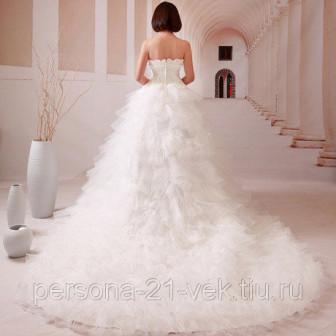 Свадебные платья со шлейфом 128