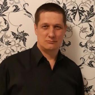 Павел Заварзин