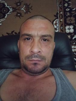 Роман Унгуряну