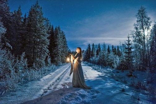 Ведущая Валентина - Метель