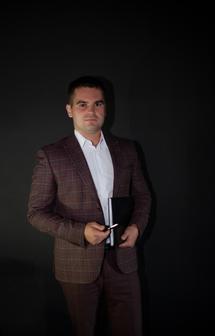 Адвокат Андрей Юрьевич