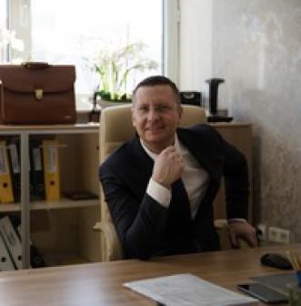 Петр Лесников