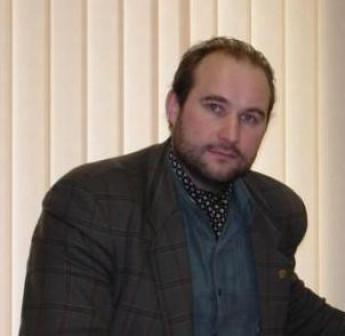 Широкопрофильный Топ-Менеджер и Универсальный Управленец с Обширным Кругозором (AllRound●TopManager)